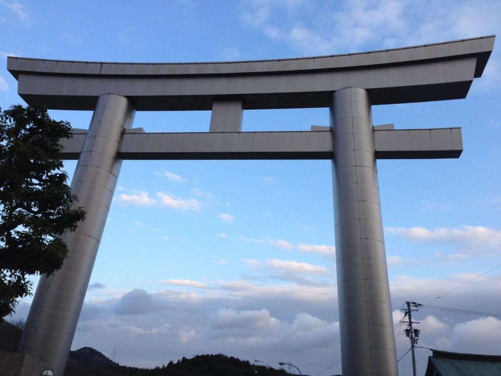 鹿島神社のチタン大鳥居
